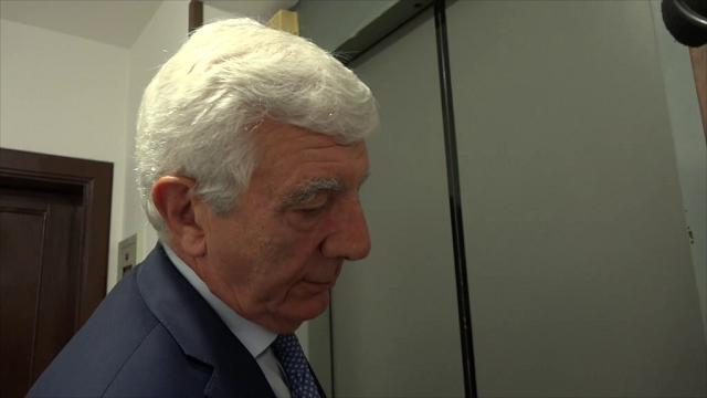 G8 Genova, De Gennaro non risponde ai giornalisti dopo l'attacco di Gabrielli