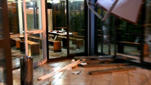 Maltempo, tromba d'aria nel Milanese: bimbo di 7 anni ferito mentre cena da McDonald's