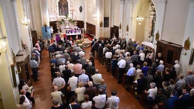 Chiesa gremita per l'ultimo saluto a Grazioli