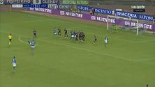 Napoli, Mertens e la punizione alla Maradona: la palla sembra telecomandata