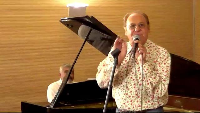 Massa, il concerto di Renzo Arbore all'Ospedale Noa
