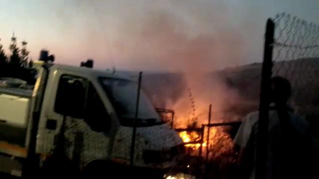 Sorso, l'incendio si avvicina pericolosamente alle abitazioni