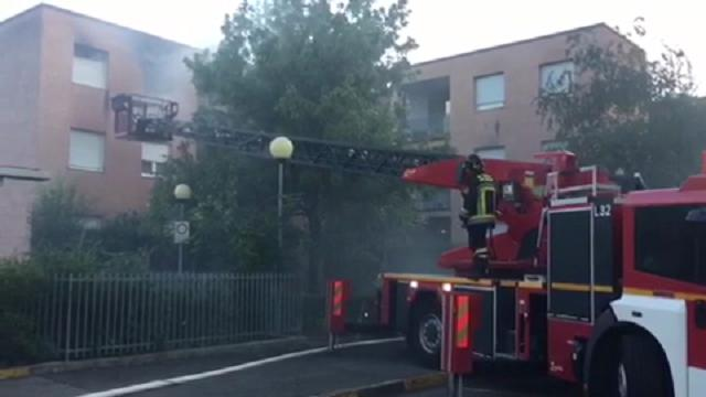 Bolzano: incendio in via Bari, distrutto un appartamento