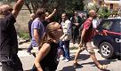Pistoia, antifascisti lanciano pomodori a militanti di Forza Nuova all'uscita dalla messa