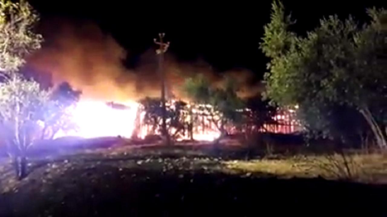 Faragola l 39 incendio che ha distrutto la copertura del for Sito la repubblica