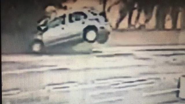Bolzano: perde il controllo dell'auto e si schianta