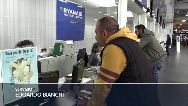 """Orio Al Serio, disagi per passeggeri Ryanair: """"Siamo allo sbaraglio, c'è poca assistenza"""""""