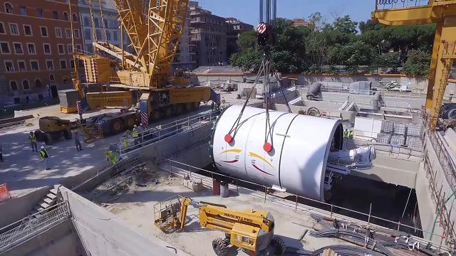 Metro C, le riprese dal drone della 'talpa' a San Giovanni
