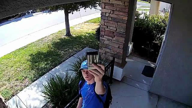 Usa, non apre allo sconosciuto ma il ragazzo voleva restituire 1500$