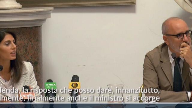 """Calenda propone confronto sui problemi di Roma. Raggi: """"Meglio tardi che mai"""""""