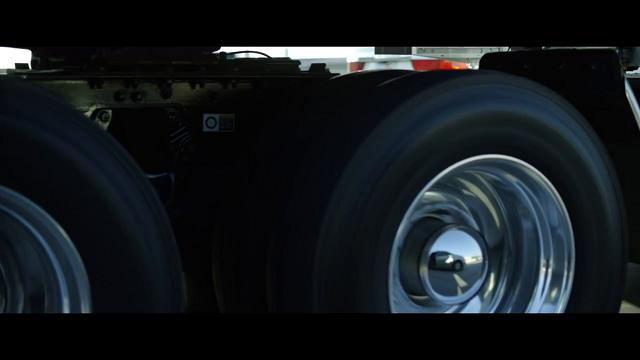 Il super camion elettrico: fino a 1200 km con un pieno