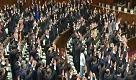 """Giappone, indette nuove elezioni e i parlamentari gridano """"banzai"""""""