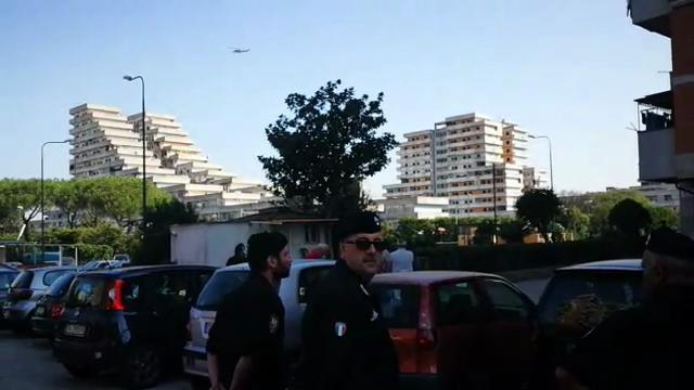 Maxi blitz dall'alba a Scampia, 700 uomini delle forze dell'ordine in azione