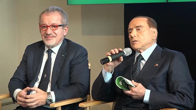 """M5S, Berlusconi: """"Pericolosi, gistizialisti e pauperisti"""""""