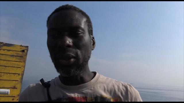 G7 a Ischia, a bordo della nave: parlano i manifestanti e protestano i passeggeri