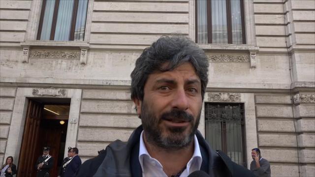 "Bankitalia, Fico (M5s): ""Casini incontra Visco? Indegno"". Lui: ""Polemica da asilo infantile"""