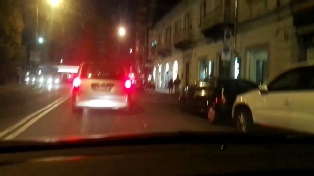Ivrea Corso Massimo d'Azeglio, posteggio selvaggio