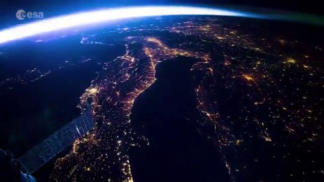 Dalle Alpi al Nilo in 20 secondi: magica traiettoria dallo spazio