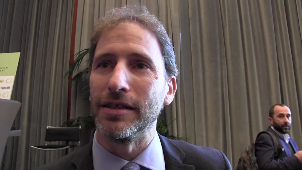 M5s casaleggio non risponde ai giornalisti sull 39 arresto for Sito repubblica