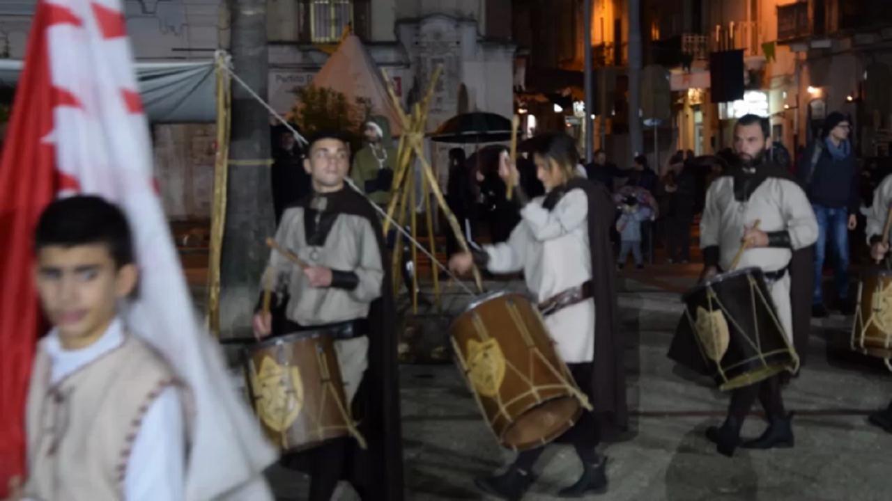 Carbonara Di Bari Storia bari torna nel 1300: a carbonara la rievocazione tra cavalieri e mestieri  antichi