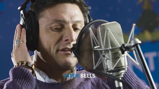 'Inter Bells', i calciatori cantano in coro e Spalletti dirige: il regalo di Natale per i tifosi nerazzurri