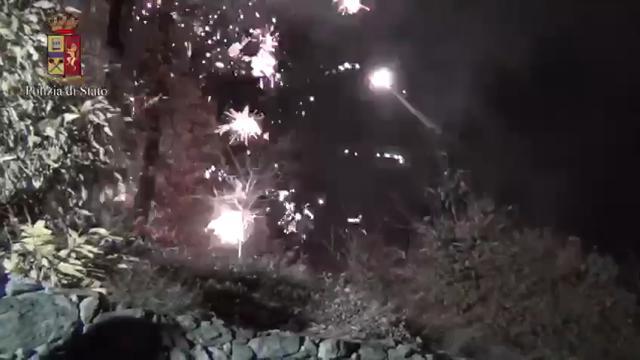 Scontri nella notte al cantiere della Tav, la digos sequestra razzi e tubi lancio