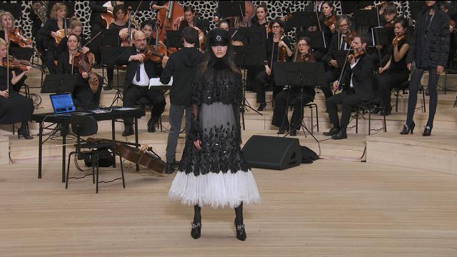 Karl Lagerfeld omaggia la sua città: ad Amburgo la sfilata Chanel Métiers d'art
