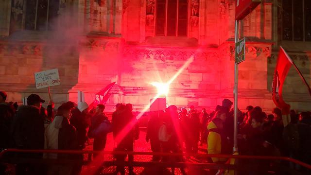 """Corteo antifascista dei centri sociali in Piazza Duomo: """"Risposta alle aggressioni fasciste"""""""