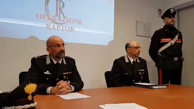 Decine di furti in case e negozi in Friuli: tre arresti
