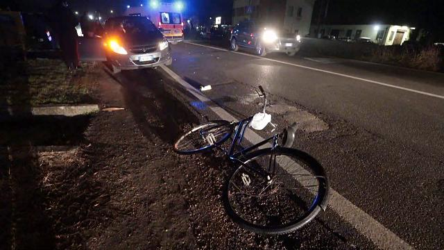 Altro ciclista investito da un'auto