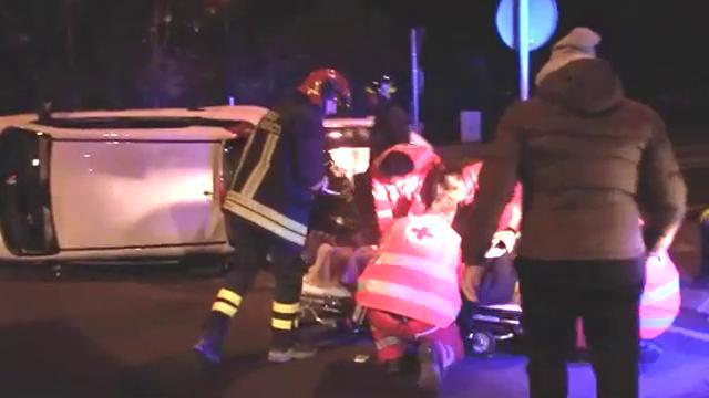 Reggio Emilia, disabile bloccato nell'auto ribaltata