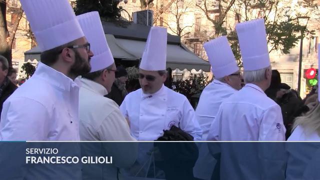 Folla di chef ai funerali di Gualtiero Marchesi, Oldani: ''È stato lo Steve Jobs della cucina''