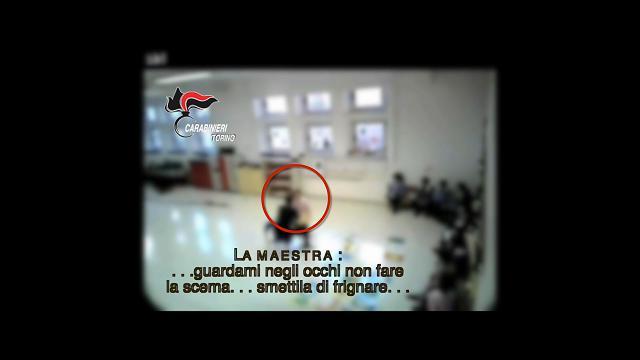 Susa, maltrattamenti ai bambini di un asilo: arrestata maestra