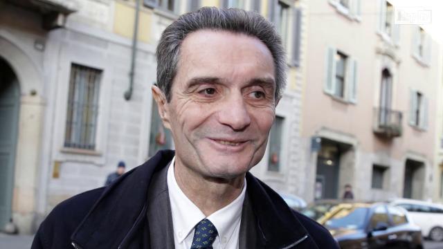 """Razza bianca, le tre versioni di Fontana: """"Siamo a rischio"""", poi """"Lapsus"""", ora """"Lo dice la Costituzione"""""""