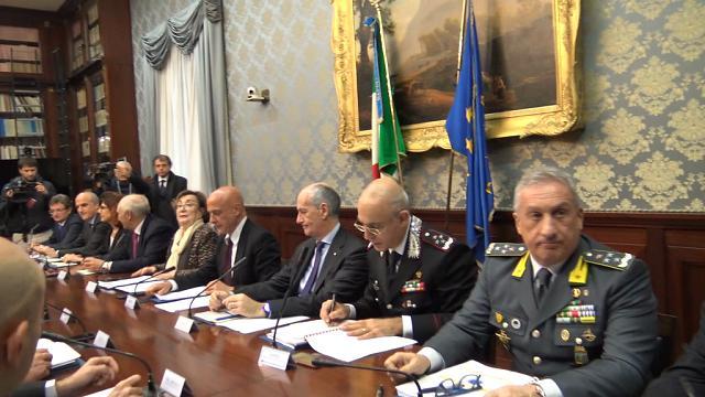 """Baby gang a Napoli, Minniti: """"Colpiscono a caso, come i terroristi"""""""