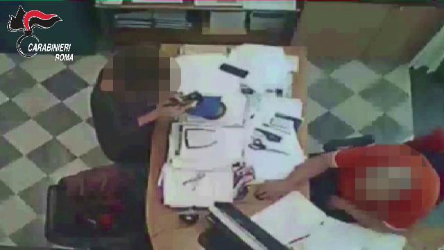 Roma, arrestato funzionario della protezione civile per usura: i video che lo incastrano