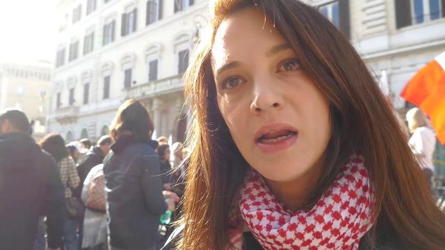 """Women's March 2018, Asia Argento: """"Berlusconi ha rovinato questo Paese, con lui la donna è diventata oggetto"""""""