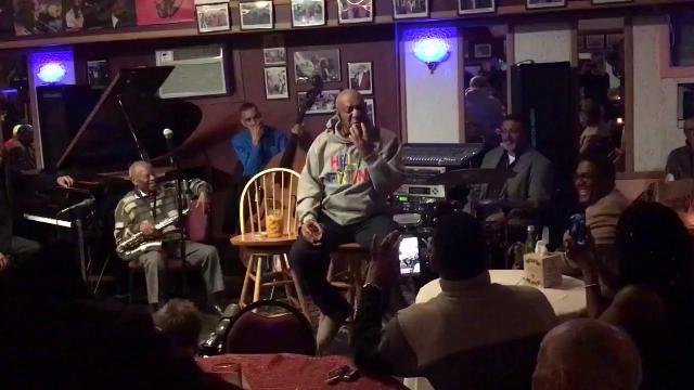 Usa, molestie sessuali: Bill Cosby torna a esibirsi per la prima volta dopo le accuse