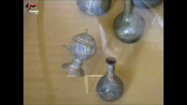 Torino, lite per l'eredità smaschera tesoro illecito di reperti dell'antiquario