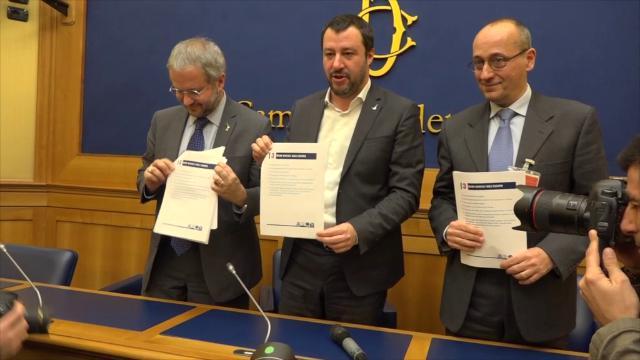 """Elezioni, i candidati della Lega: """"A fine legislatura l'euro non esisterà più"""""""