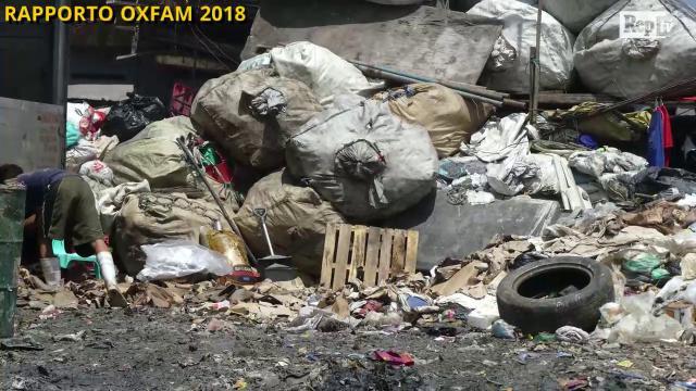 Rapporto Oxfam: un operaio lavora una vita per guadagnare la stessa somma che un manager riceve in 4 giorni