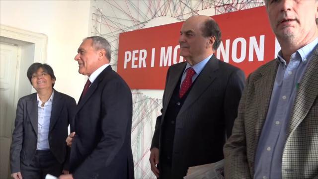 """Elezioni, Bersani: """"Contratto con gli italiani? Berlusconi è un oste che dà da bere agli ubriachi"""""""