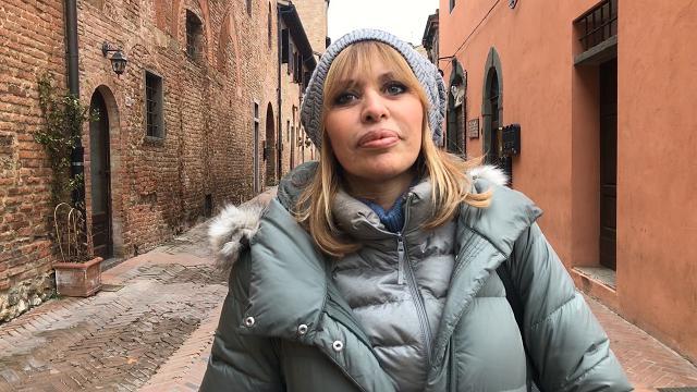 """Alessandra Mussolini a Certaldo sulla revoca della cittadinanza: """"Sono dei poveracci"""""""