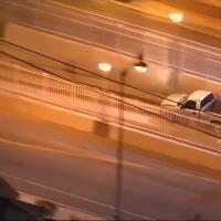 Usa, si lancia con l'auto nel tunnel del metrò: l'inseguimento è da film