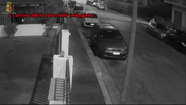 Ragusa: brucia l'auto al compagno della ex moglie, arrestato dalla polizia