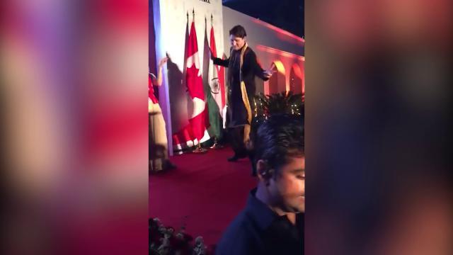 India, il ballo di Justin Trudeau in stile Bollywood divide il web