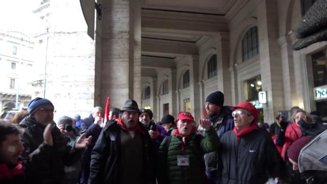 """Roma, corteo 'Mai piu fascismi'. Il grido unitario: """"Sciogliere partiti neofascisti"""""""
