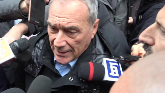 """Roma, Grasso in corteo canta 'Bella Ciao': """"Fascista chi inneggia all'odio razziale"""""""