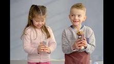 Maschi e femmine, stesso lavoro ma diversa ricompensa: l'esperimento con i bambini