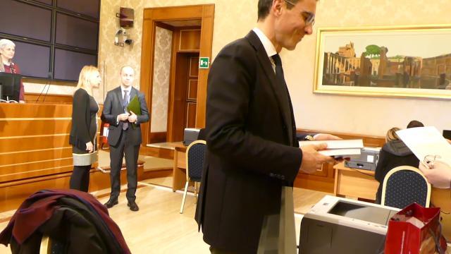 Primo giorno da senatore, l'accoglienza a Palazzo Madama tra i nuovi eletti ed ex reduci della politica